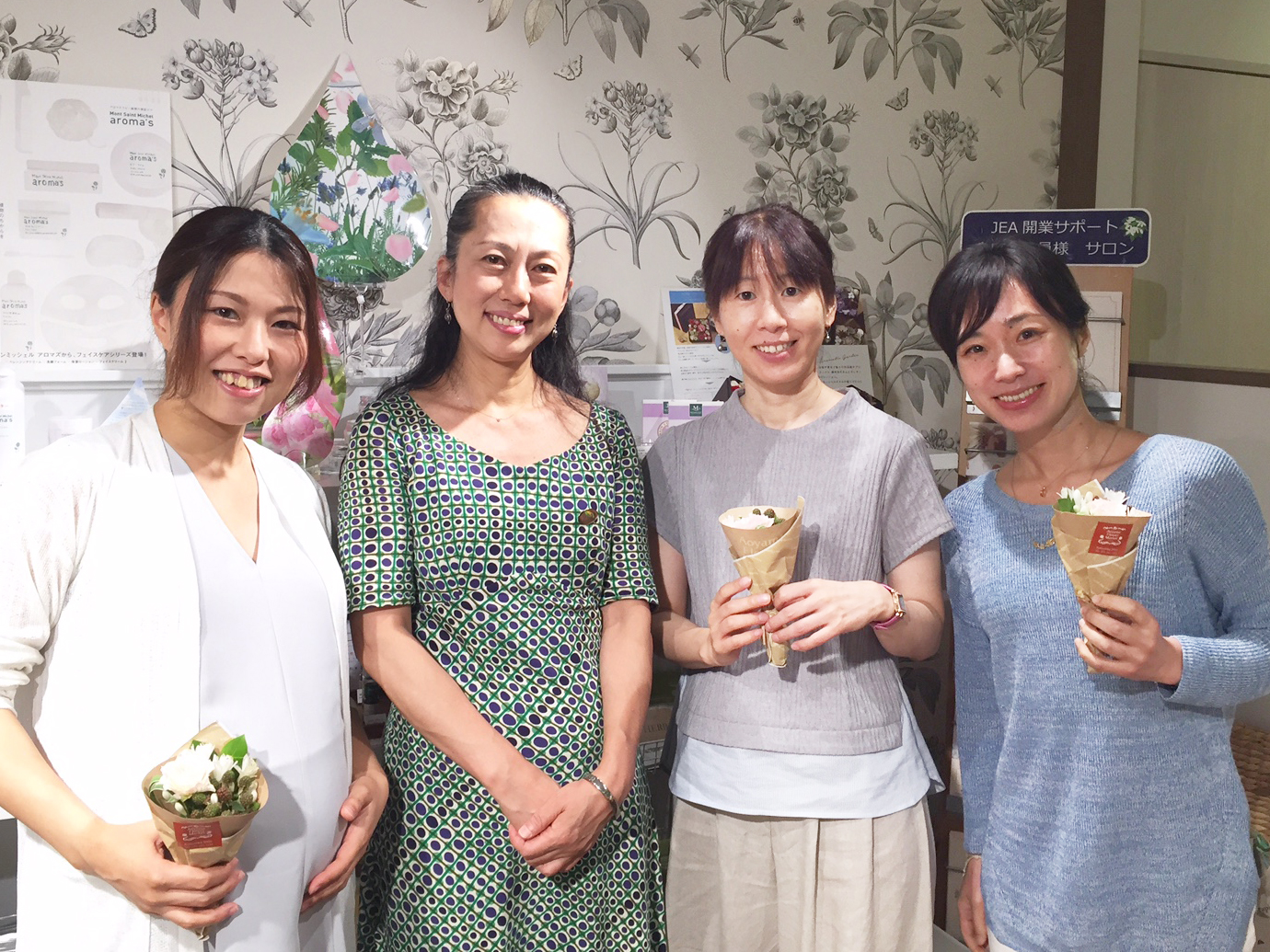 <京都校・11月期>IFPA資格対応メディカルアロマセラピストコース(全日制)修了しました。